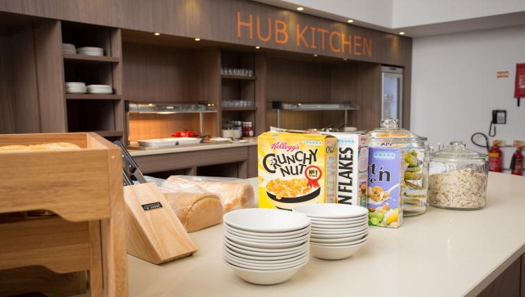 Communal kitchen in Staybridge Suites Birmingham