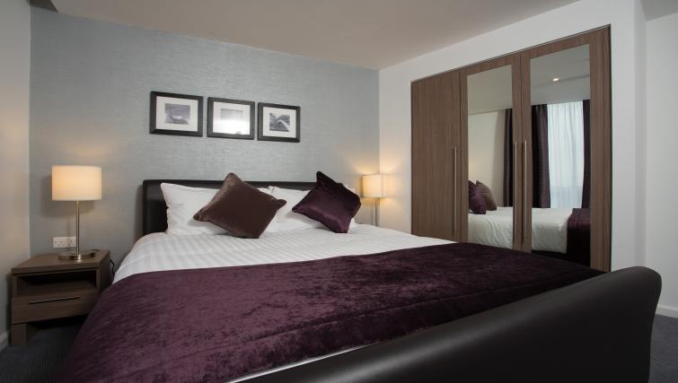 Divine bedroom in Staybridge Suites Birmingham