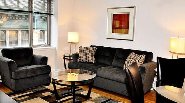 Cosy living area in 120 West 21st Street Apartments