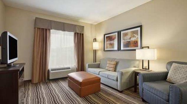 Comfortable living area in Homewood Suites Cedar Rapids-North