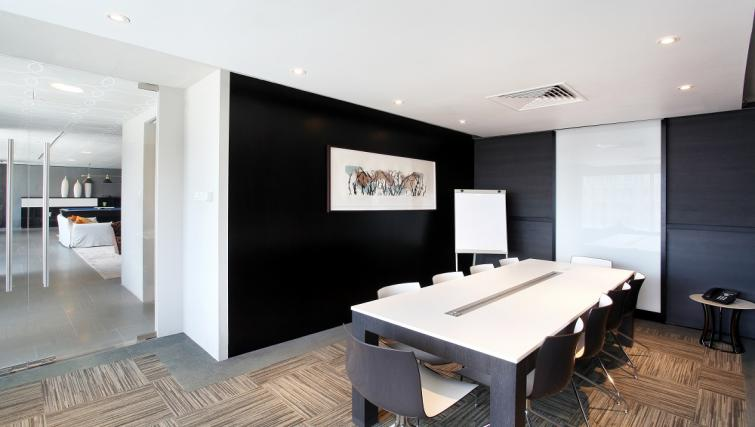 Spacious meeting room at Pan Pacific Serviced Suites Orchard, Singapore