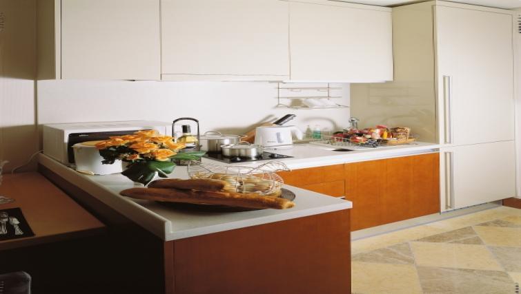 Modern kitchen at Somerset Palace Apartments