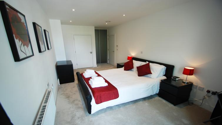 Cosy bedroom at Chiswick High Road