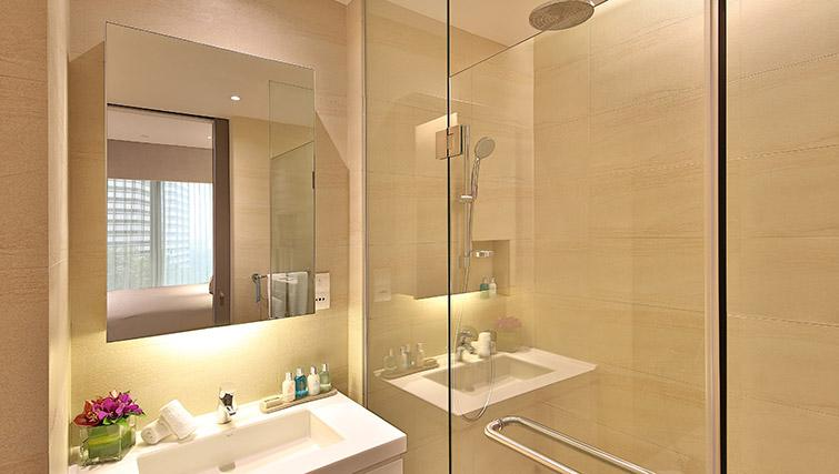 Bathroom at Pan Pacific Serviced Suites Beach Road, Singapore