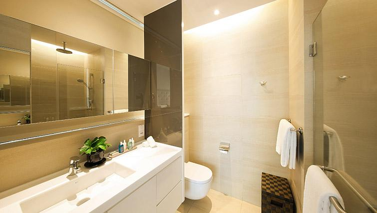 Shower room at Pan Pacific Serviced Suites Beach Road, Singapore