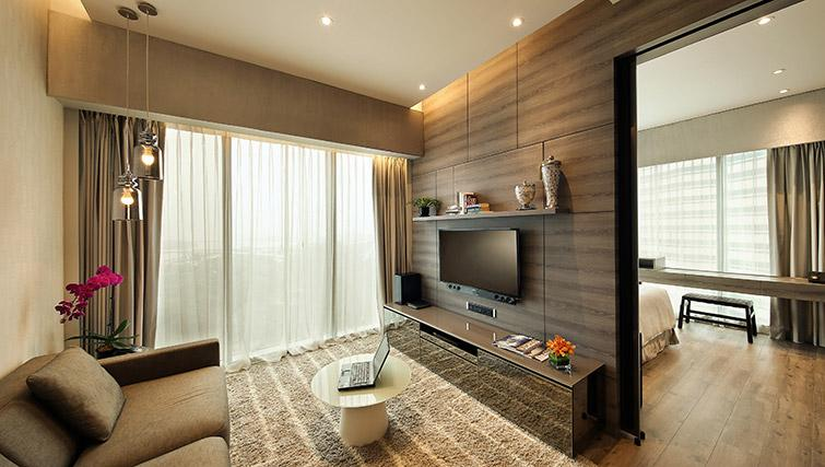 Living space at Pan Pacific Serviced Suites Beach Road, Singapore
