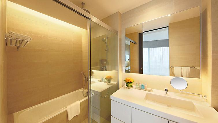 Modern bathroom at Pan Pacific Serviced Suites Beach Road, Singapore