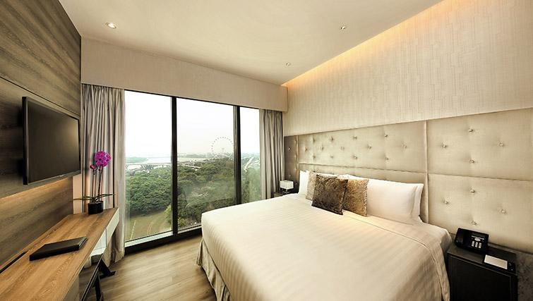 Master bedroom at Pan Pacific Serviced Suites Beach Road, Singapore