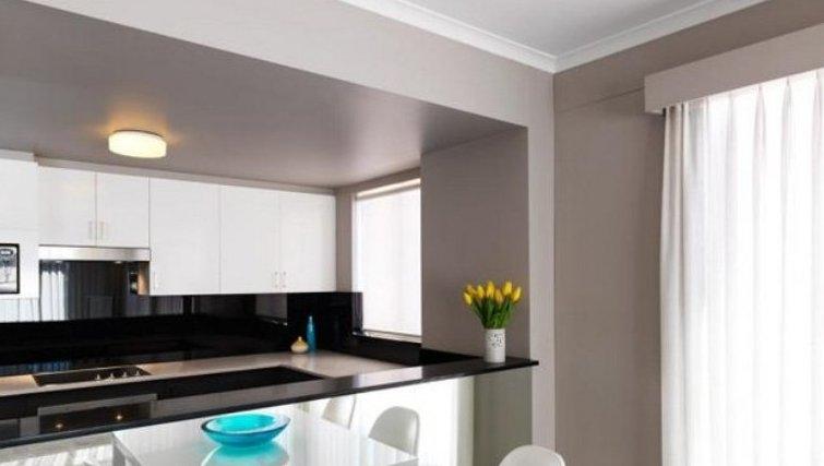 Bright kitchen in Adina Apartment Hotel Sydney, Surry Hills