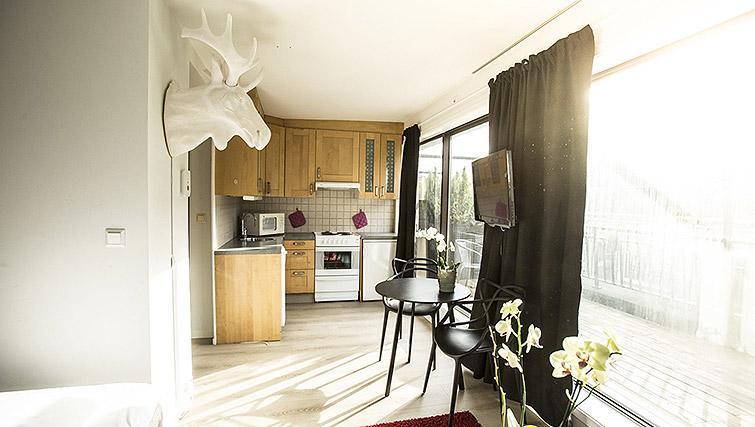 Studio kitchen at Kirkebakken Apartments