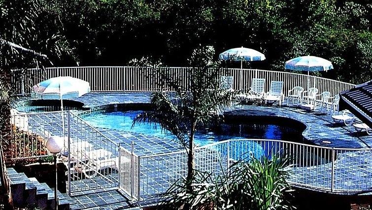Stunning swimming pool at Medina Serviced Apartments North Ryde