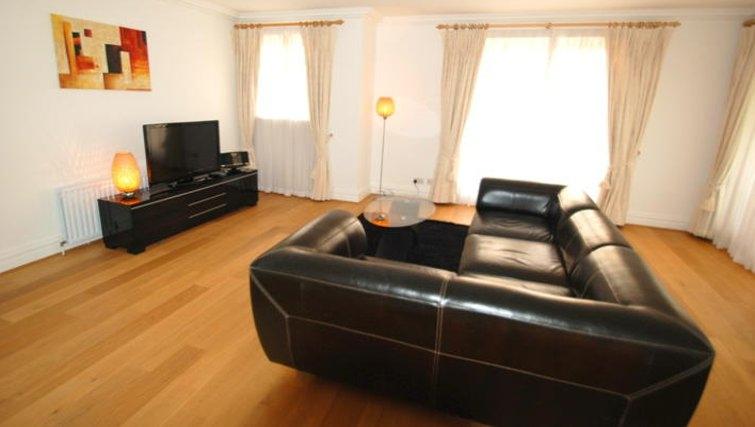 Spacious living area in Richmond Bridge Estate Apartments