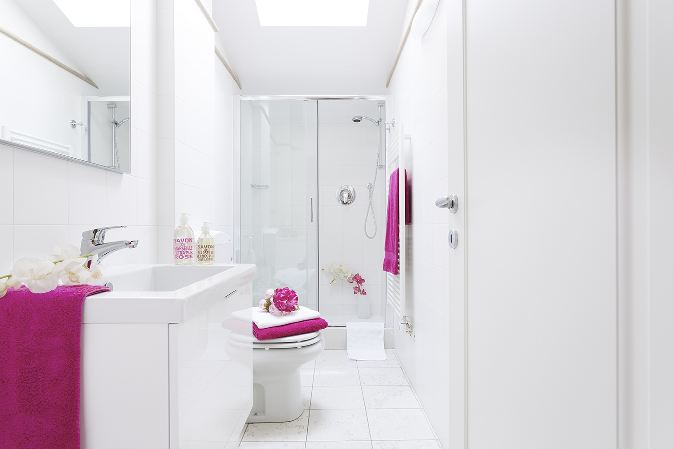 Spacious bathroom at Residence Adriano