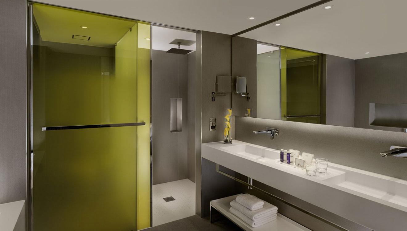 Sleek bathroom at Plaza on the River