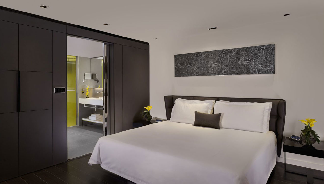 Modern bedroom at Plaza on the River