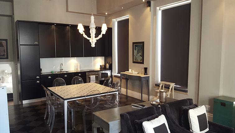 Sensational kitchen in Mutual Heights Apartments
