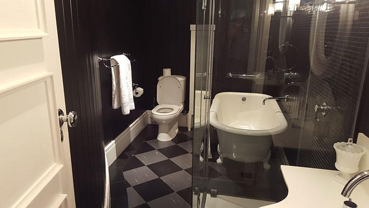 Practical bathroom in Mutual Heights Apartments