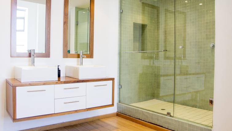 Shower in Mutual Heights Apartments