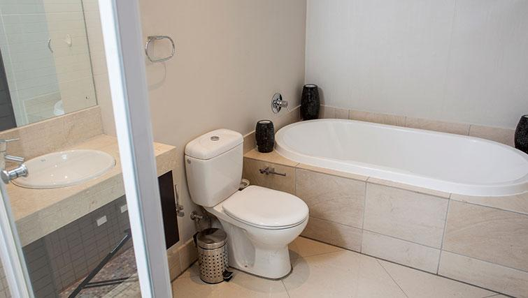 Ideal bathroom in Icon Apartments