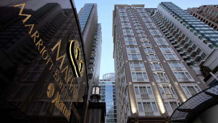 Amazing exterior to Marriot Executive Apartments Mayfair - Bangkok