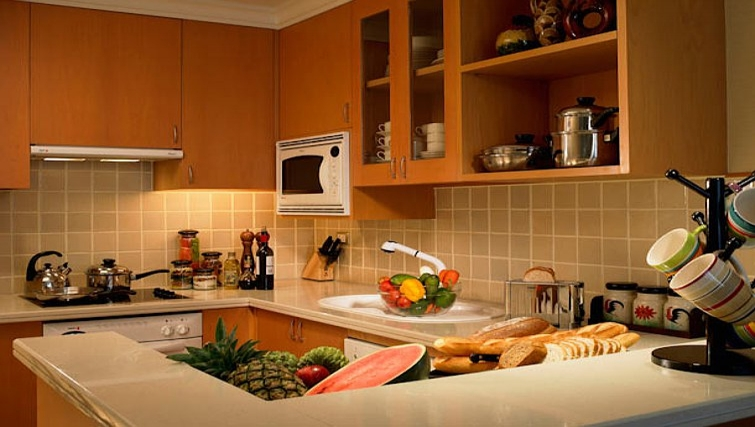 Well equipped kitchen in Marriot Executive Apartments Mayfair - Bangkok