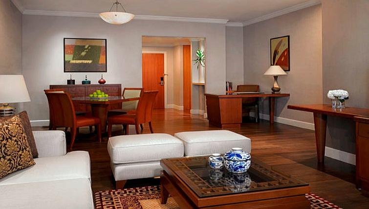 Luxurious living area in Marriot Executive Apartments Mayfair - Bangkok