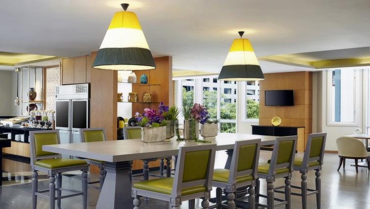 Outstanding restaurant in Marriot Executive Apartments Mayfair - Bangkok
