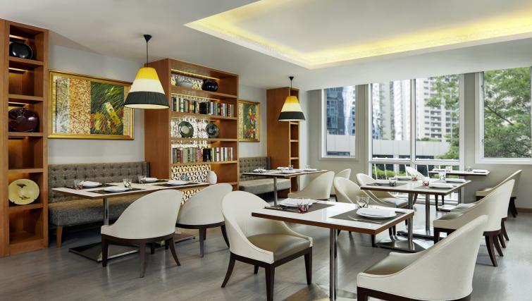 Restaurant at Marriot Executive Apartments Mayfair - Bangkok