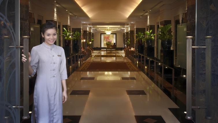 Lobby area at Marriot Executive Apartments Mayfair - Bangkok