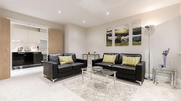 Bright spacious living area in Kinnaird Court Apartments