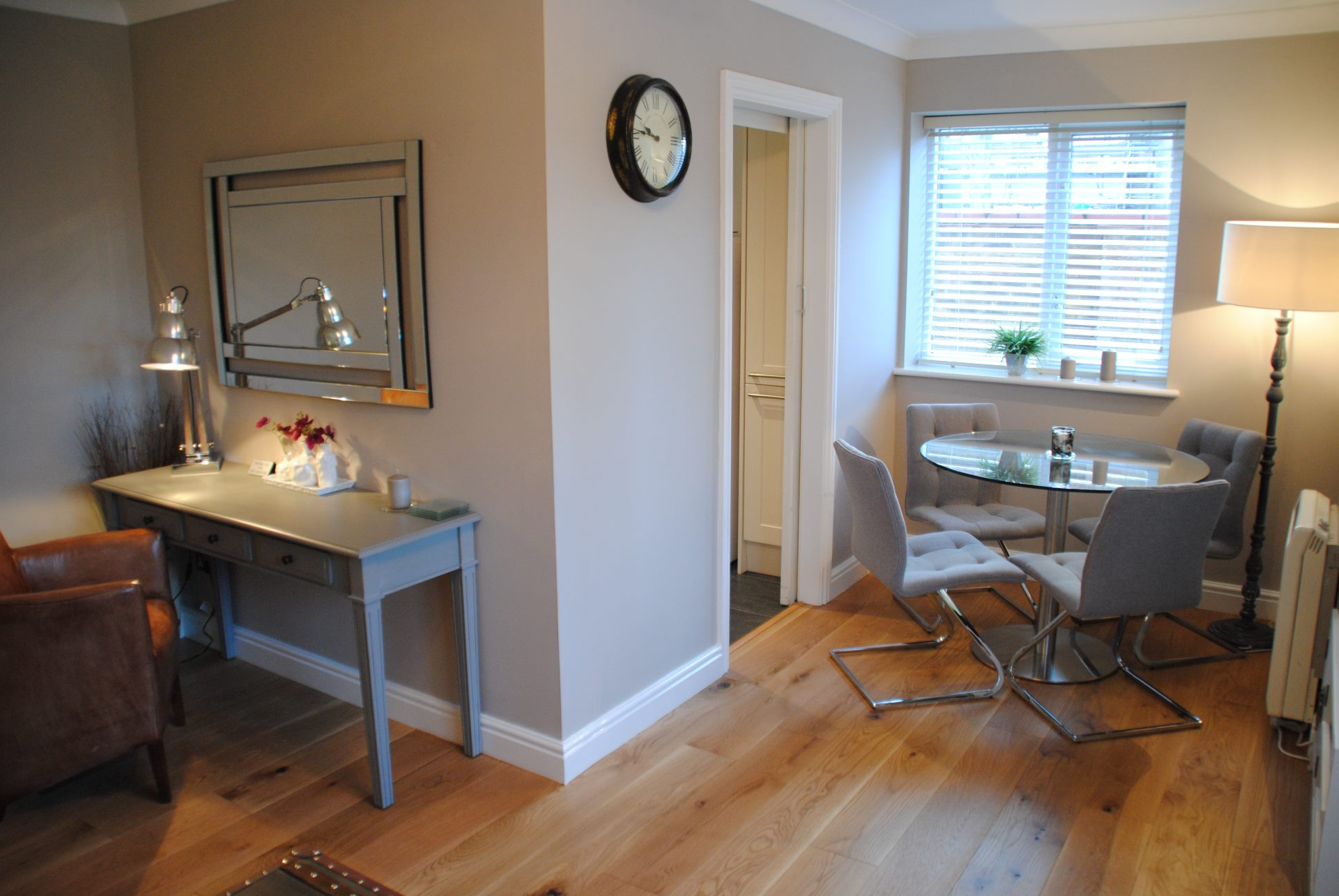 Dining table at Elizabeth Court Apartments