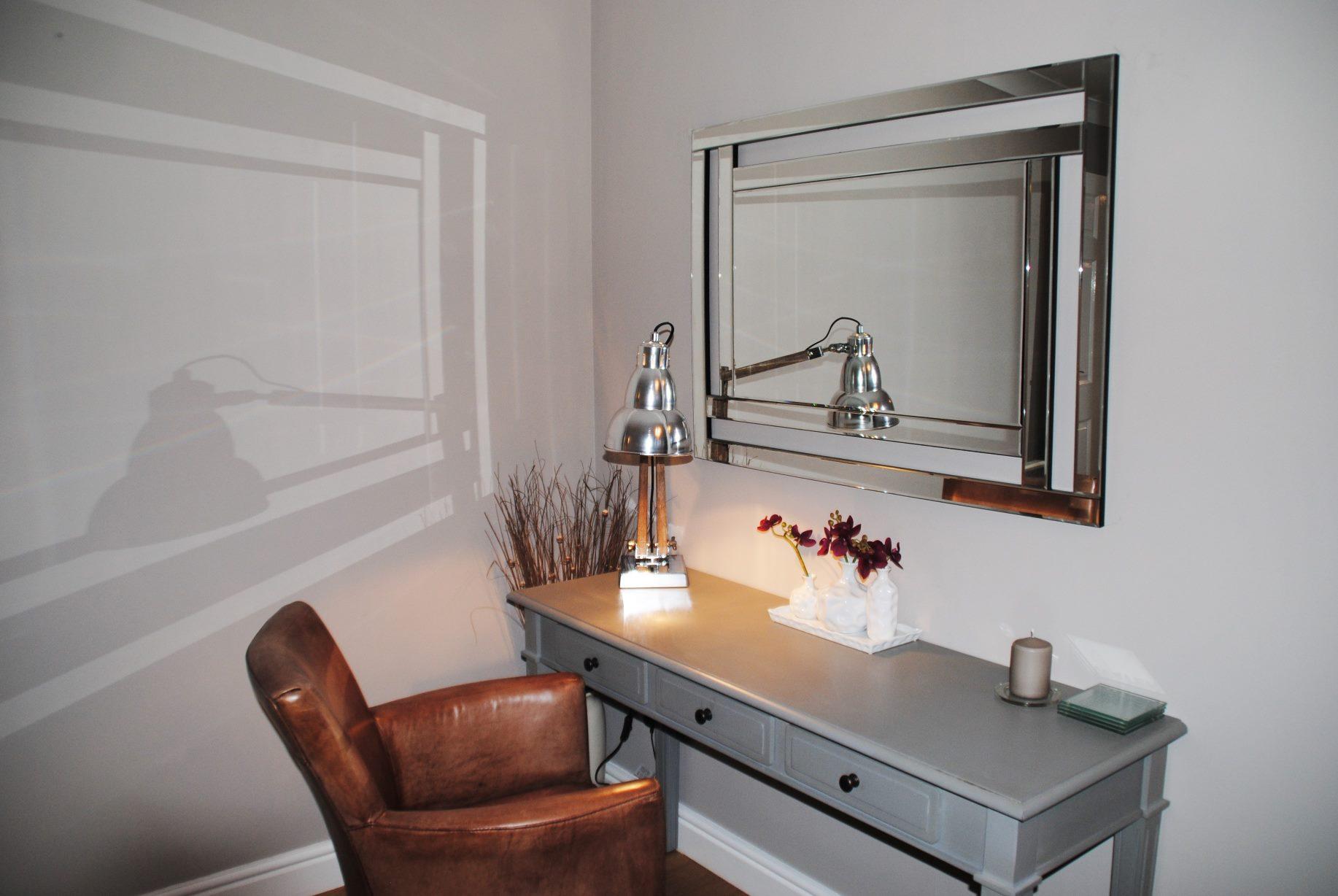 Desk at Elizabeth Court Apartments
