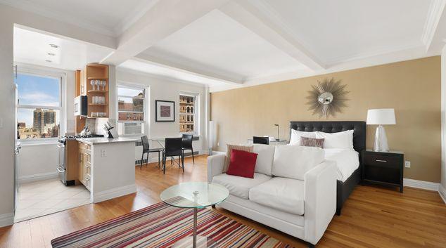 Open plan studio at 20 Park Avenue Apartments
