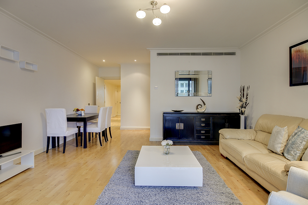 Open-plan living area at Discovery Dock West
