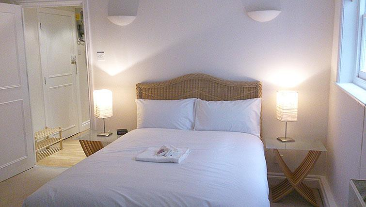 Double bed at Abbotts Chambers Apartments