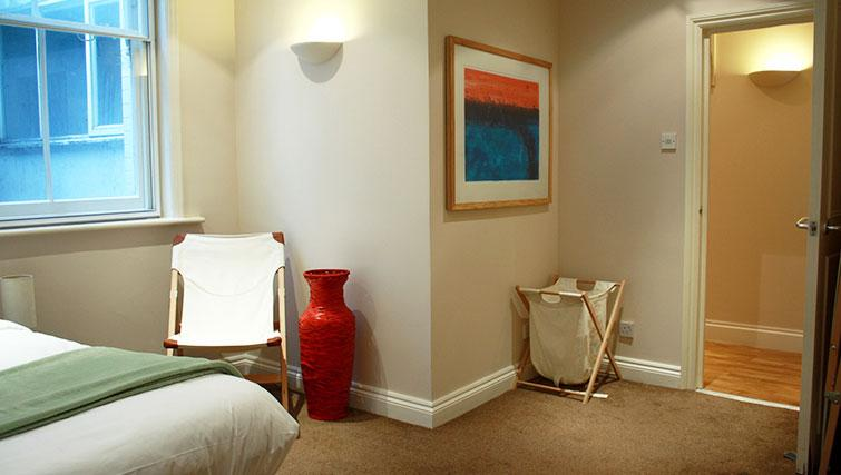 Cosy bedroom at Abbotts Chambers Apartments