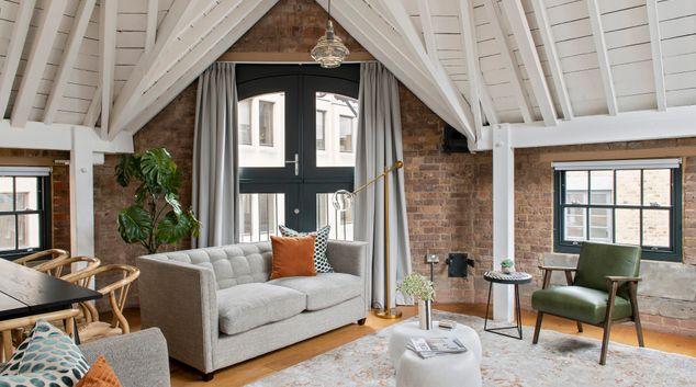 Living room at SACO Covent Garden - Arne Street