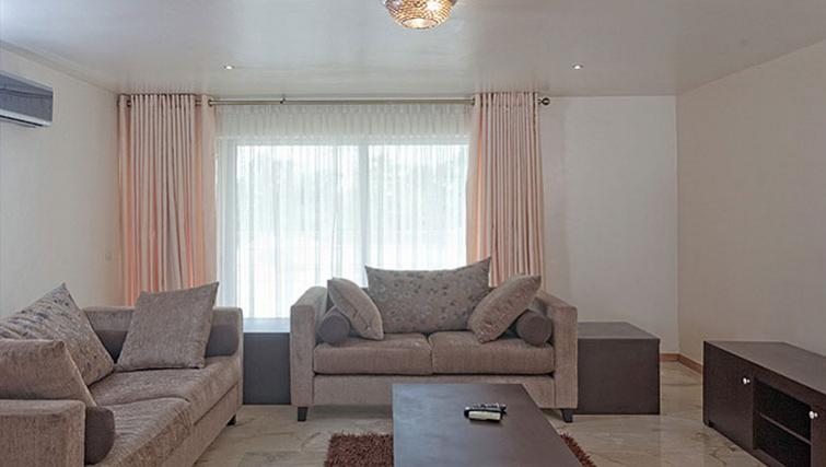 Living area at 34 Cameron Road Apartments