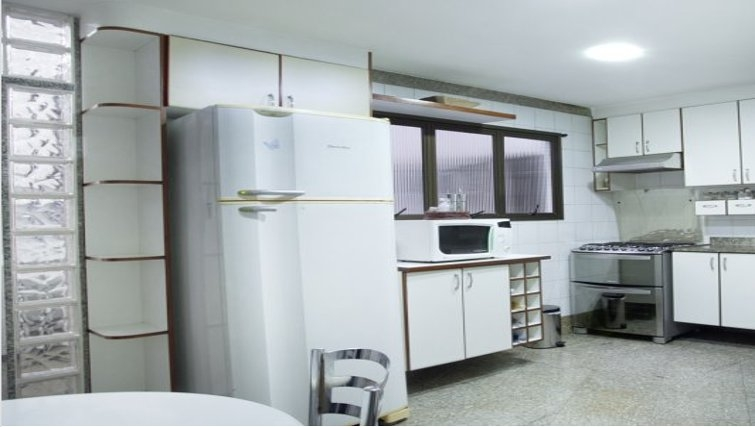 Bright kitchen at Sweet Om Apartment