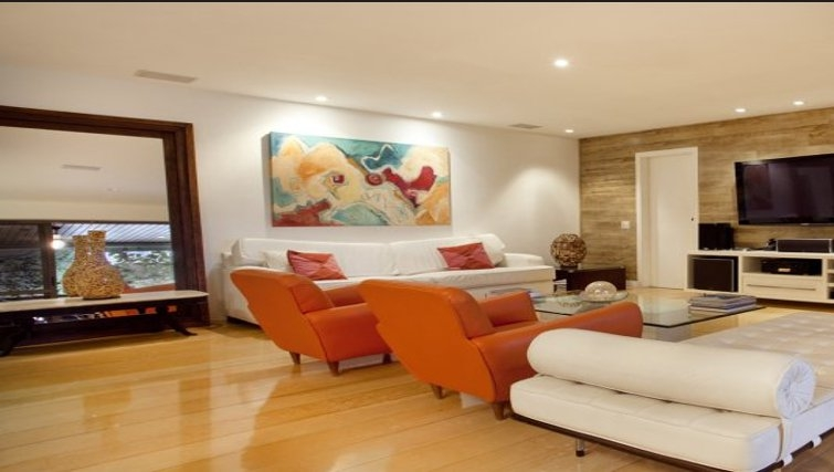 Spacious living area in Sweet Om Apartment