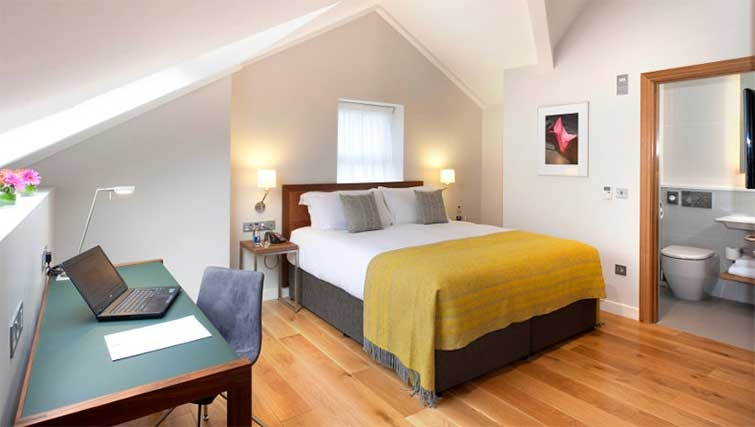 Bedroom at Premier Suites Dublin Ballsbridge