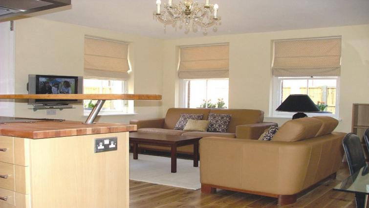 Living area in 2 bed at Straw House Apartments