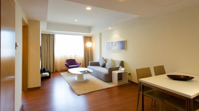 Spacious living area in Clemenceau Avenue Apartments, Singapore