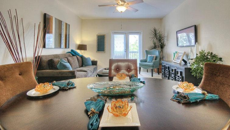 Living/dining area at Cedar Walk Apartments