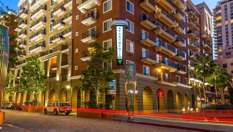 Exterior of Cedar Walk Apartments