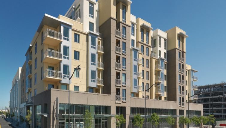 Exterior of Strata San Francisco Apartments
