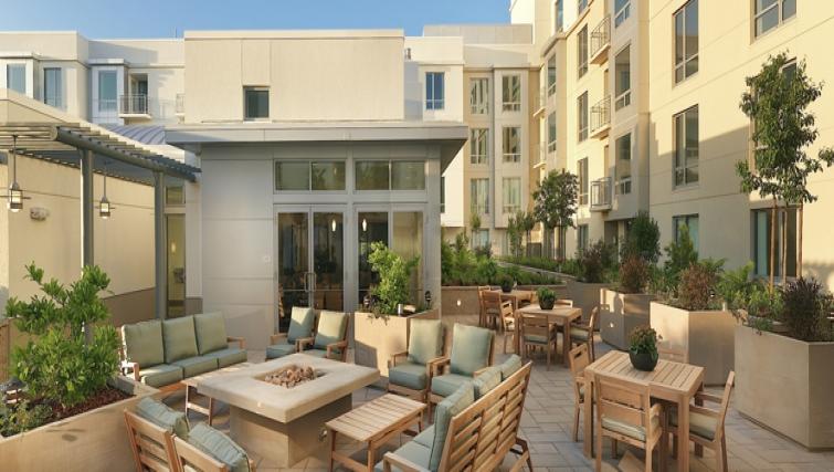 Roof Terrace at Strata San Francisco Apartments