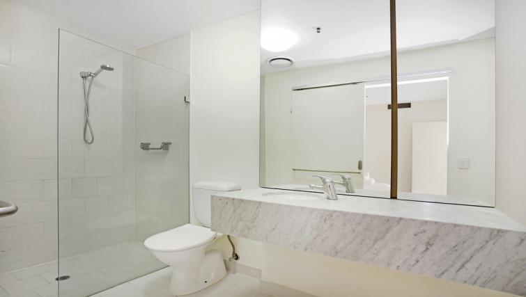 Full bathroom at Jane Bell Lane Apartment