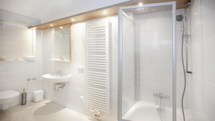 Modern bathroom at Boardinghouse Serviced Apartments