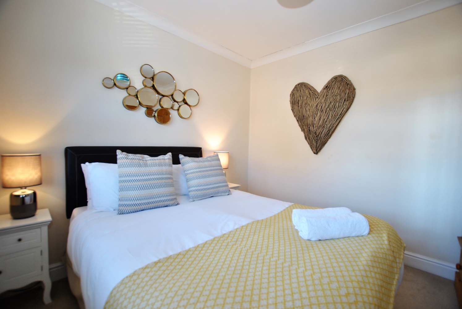 Double bed at Garfield Place Apartments